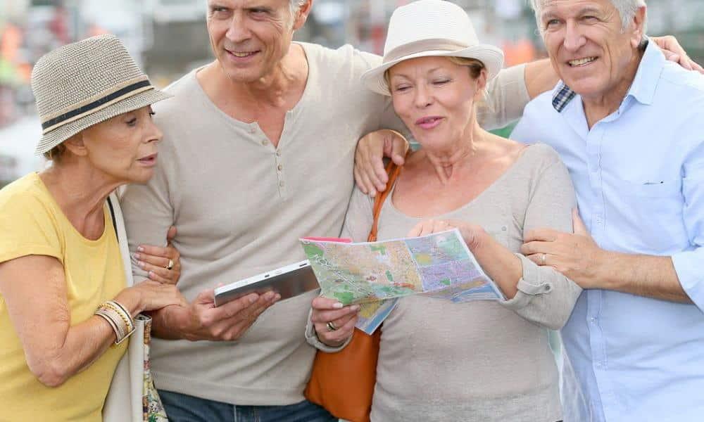 Les seniors voyagent de plus en plus mais leurs choix de destinations de vacances sont spécifiques
