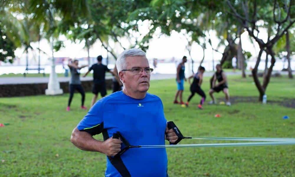 Après 50 ans, faire du sport est une nécessité. Voici les meilleurs sports pour les seniors actifs !