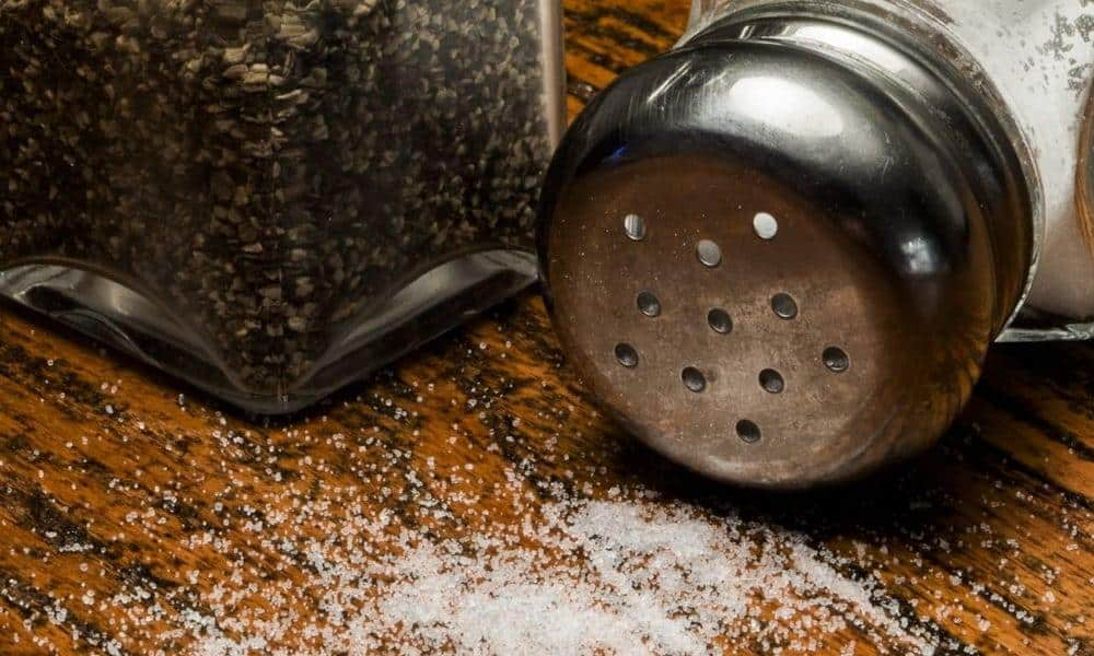 Consommer trop de sel aggrave les pathologies comme les AVC et les maladies cardio-artérielles