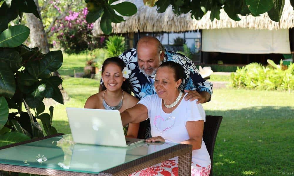 Seniors : comment utilisent-ils internet et dans quel but ?