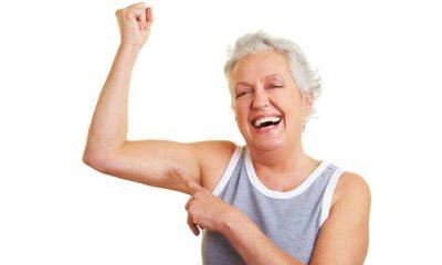 A l'aide de charges légères, ou sans, avoir de jolis bras est non seulement possible pour un senior, mais également rapide