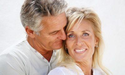 Chercher l'amour après 50 ans est chose courante dans la société actuelle. Effectivement, il n'est jamais trop tard pour trouver sa moitié, que ce soit grâce à internet, ou toute autre méthode qui peut s'offrir à vous. La vie est belle alors, rappelez-vous, qui ne tente rien, n'a rien !