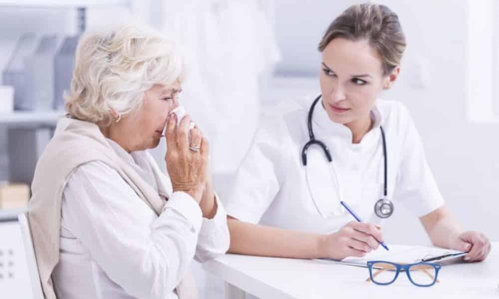 Se soigner tout seul est à la portée de tous les seniors. Voici 4 astuces pour vivre plus longtemps en bonne santé.