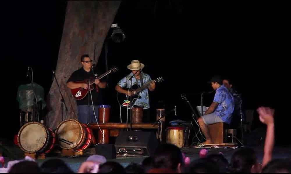 No Vai Teie Reo interprétée par Tahiti Ora Band