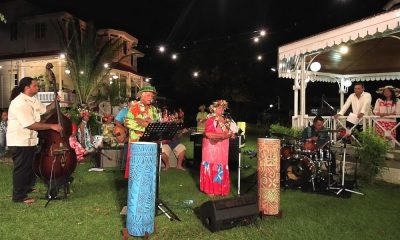 Patrick NOBLE et Coucou ESTALL interprètent I Teie Po Ava E