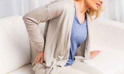 Mal au dos assis ? ces exercices recommandés par Isabelle Balland sont efficaces