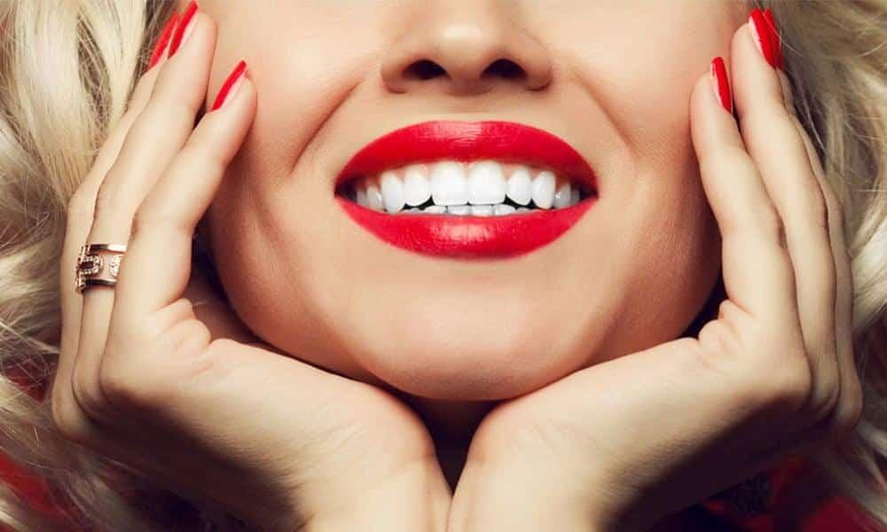 Avoir des dents blanches après 50 ans, c'est possible !
