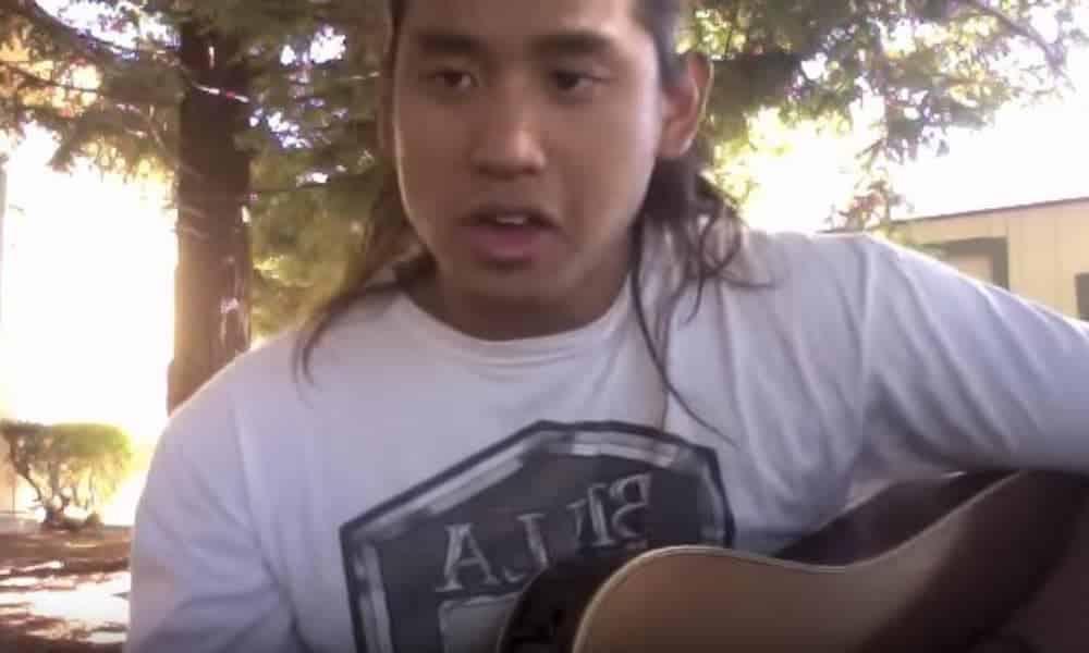 Kainoa KEANAAINA chante Te Tama Mā'ohi