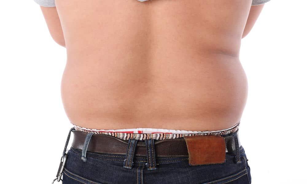 Tout comme les femmes, les hommes aussi sont touchés par la cellulite