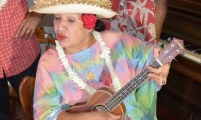 Esther TEFANA chante 'Ahiri