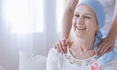 Pendant la chimio, la chute de cheveux est parfois traumatisante pour le patient