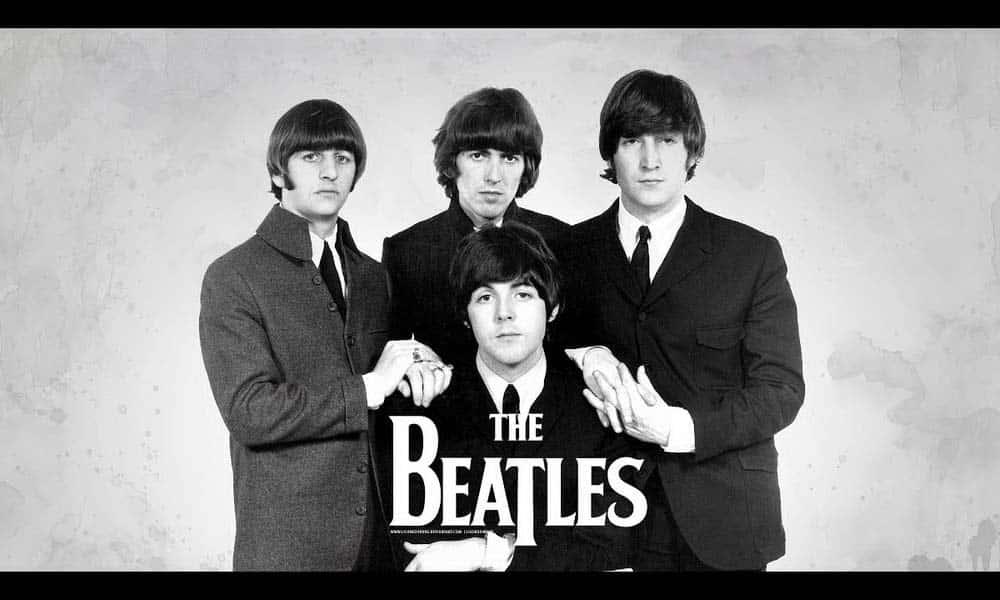 Les Beatles inteprètent l'un des plus grands succès musicaux planétaires du 20è siècle