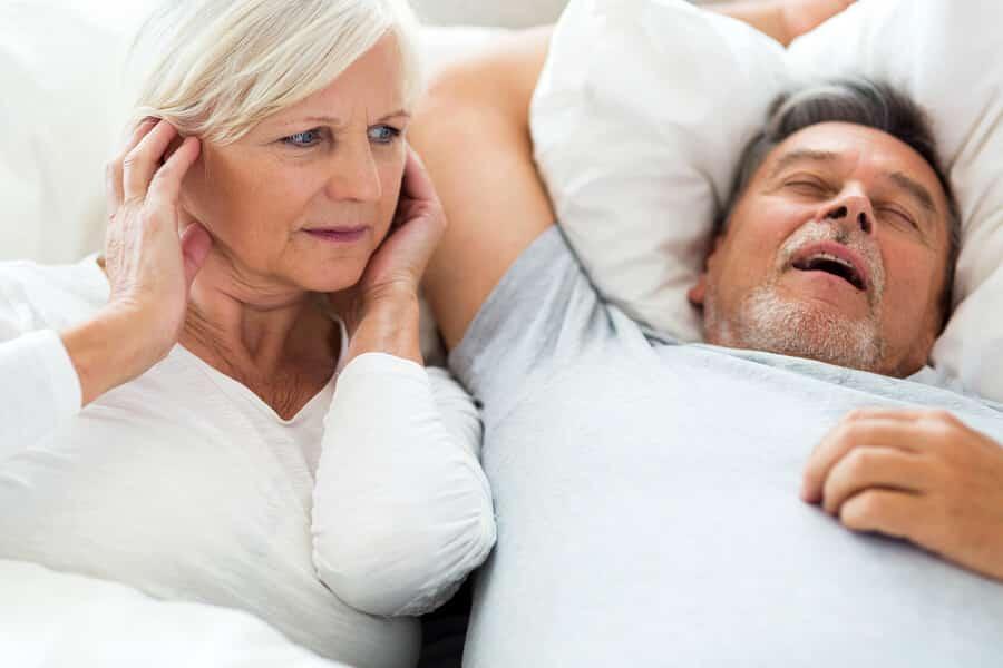 Après 50 ans, un bon sommeil est essentiel à la vitalité des quinquas et des seniors.