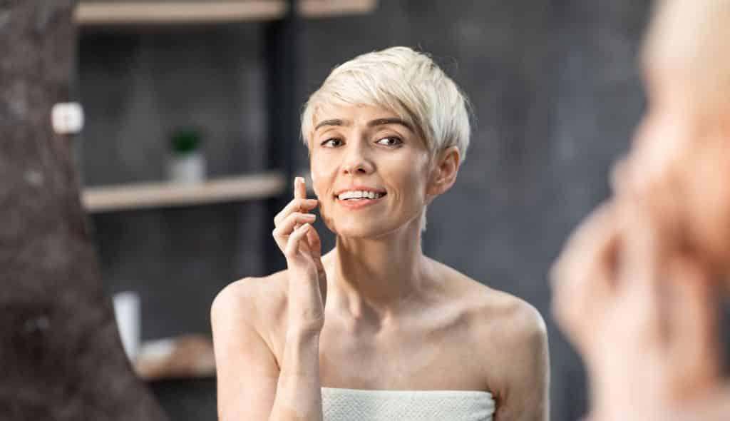 Vous êtes une femme de plus de 50 ans ? Voici pourquoi vous devez absolument booster votre production de collagène.