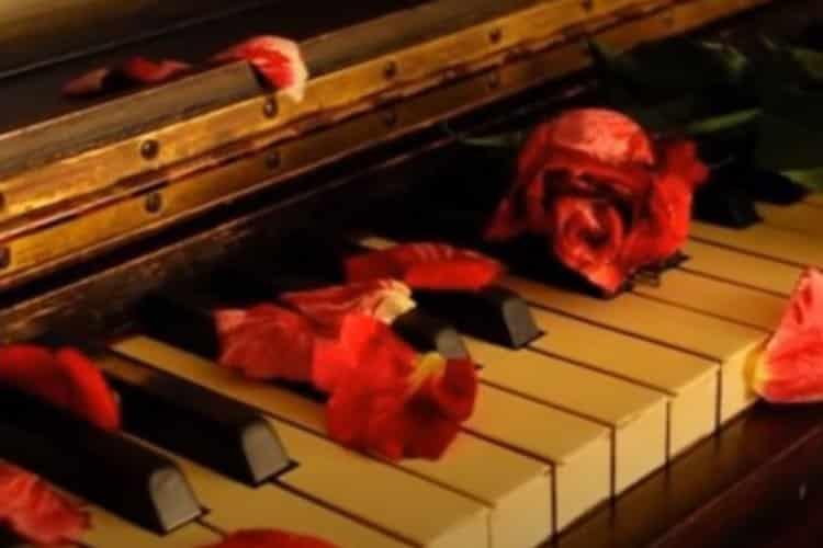 Accompagné de Wendy Moten, Julio Iglesias interprète « Just walk away ». Bon visionnage à tous les happy quinquas et seniors !