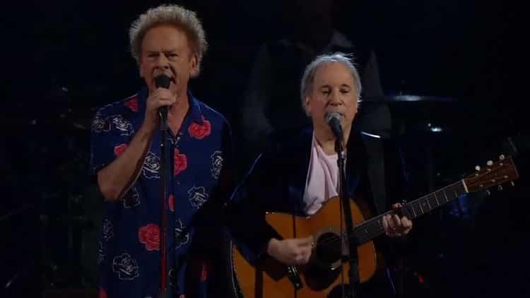 """Vous avez sans doute déjà écouté Simon & Garfunkel dans votre jeunesse. Ils interprètent un de leurs tubes """"Sound of silence""""."""