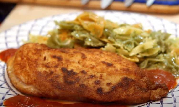 Pour nous chouchouter et réchauffer nos cœurs, réconfortons-nous avec cette recette d'escalopes de poulet cordon bleu.