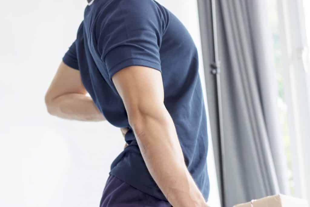 Vous avez souvent mal au dos et vous souhaitez trouver des solutions plus naturelles pour soulage la douleur ? Voici nos conseils pour lutter contre les maux de dos naturellement.